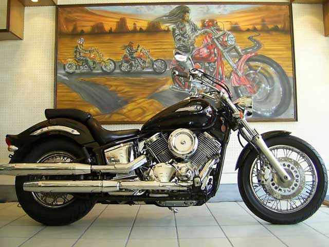 Black 2005 Yamaha Dragstar XVS1100