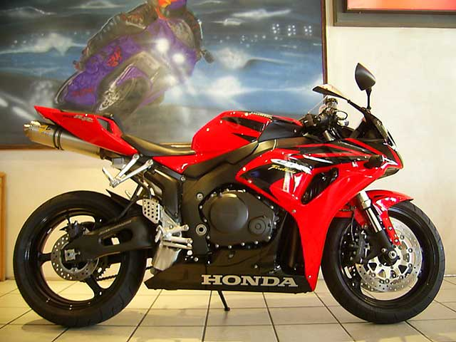 Red and Black CBR1000 RR Fireblade