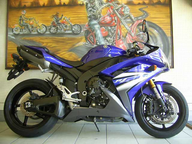 Blue Black 2007 Yamaha YZF R1