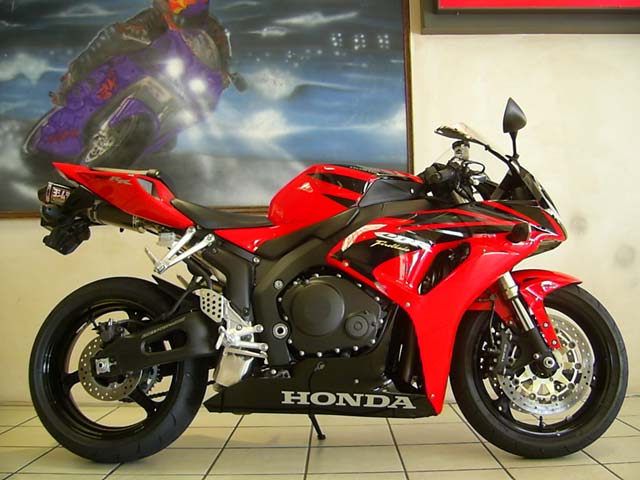 Red and Black Honda CBR1000RR Fireblade