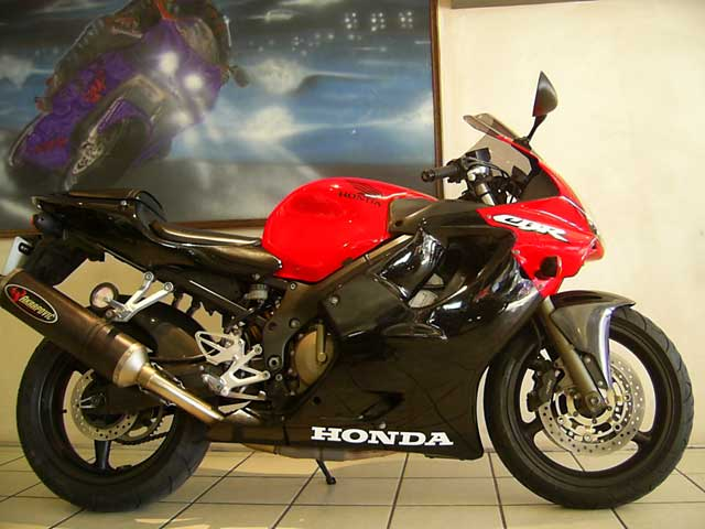 Red Black 2002 Honda CBR600 F4I