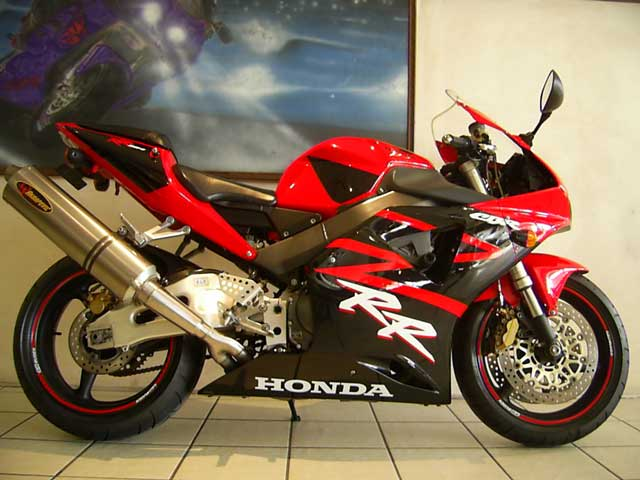 Red Black 2003 Honda CBR954RR Fireblade
