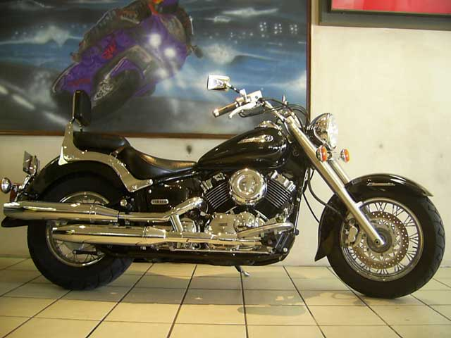 Black Yamaha Dragstar XVS650