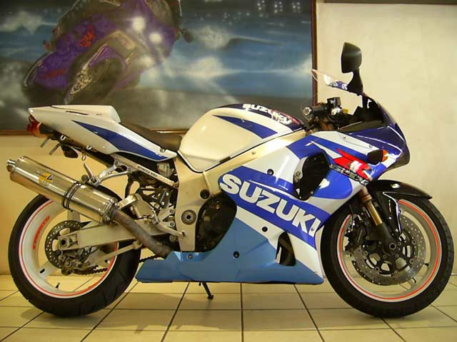 blue and white suzuki gsxr1000 k1 photo by. Black Bedroom Furniture Sets. Home Design Ideas